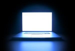 Бял екран на лаптопа