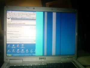 Вертикални линии екран на лаптоп